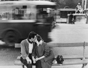 Gianni Berengo Gardin, Bacio, Parigi, 1954